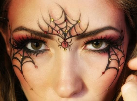 cobweb-eye-makeup via