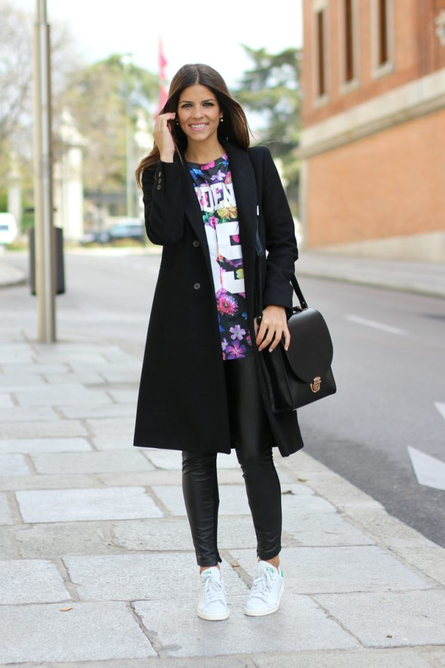 floral-top-and-skinny-pants via