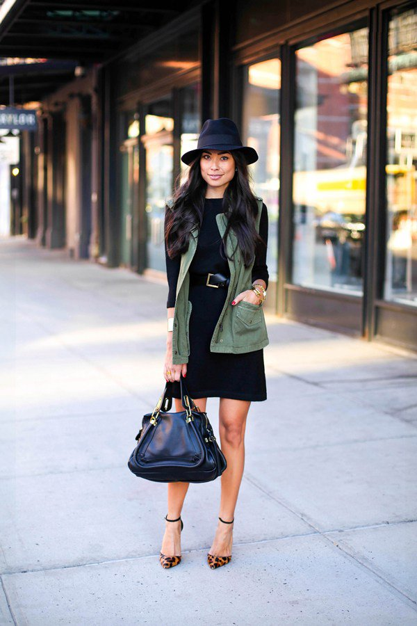 khaki-jacket-black-dress-and-leopard-sandals via