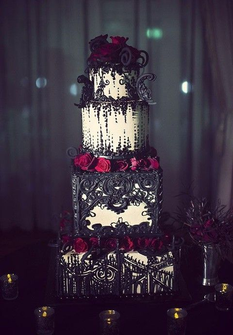 34 Times Someone Rocked A Halloween Wedding Theme - Pretty Designs