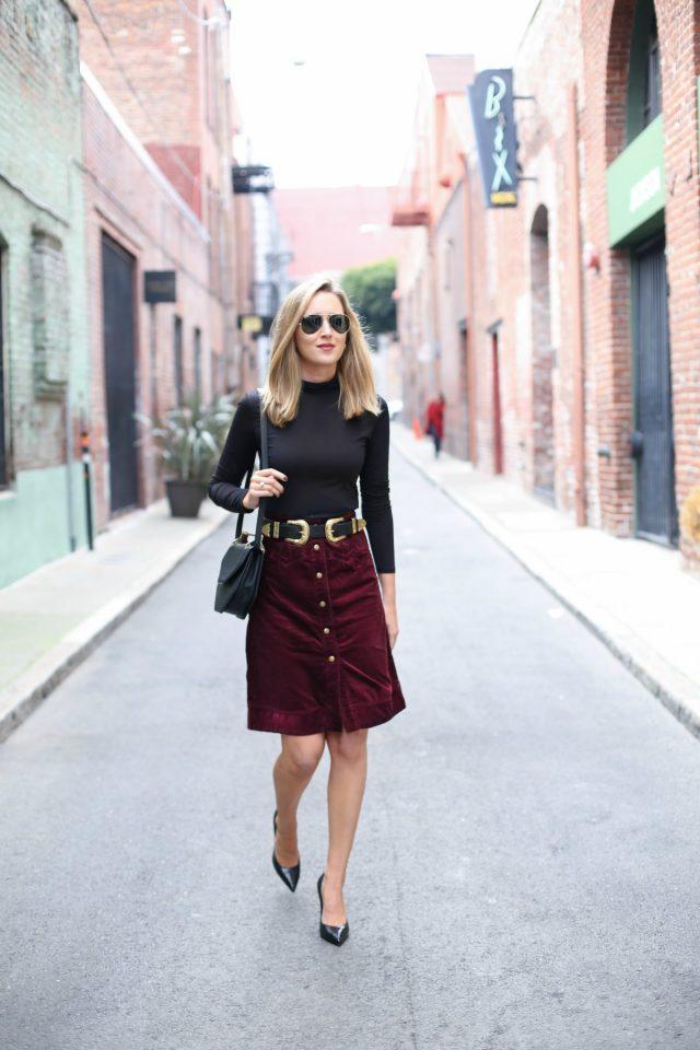 black-turtleneck-and-pencil-skirt via