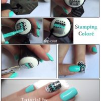 black-and-blue-stamping-nails via