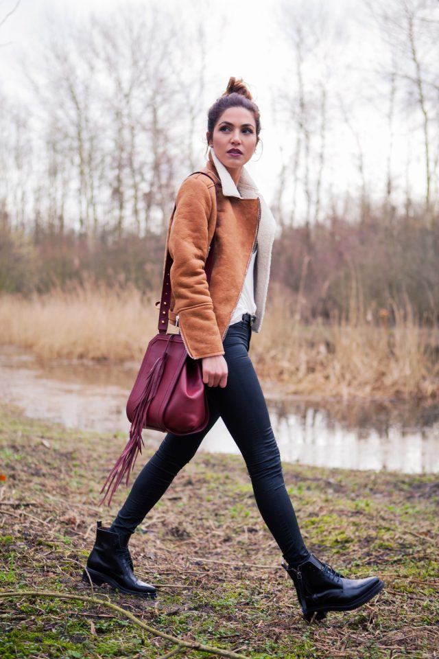 brown-coat-and-tights via