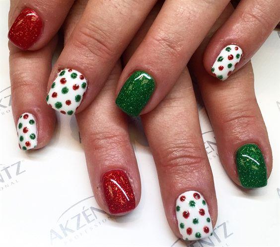 glitter-nails via