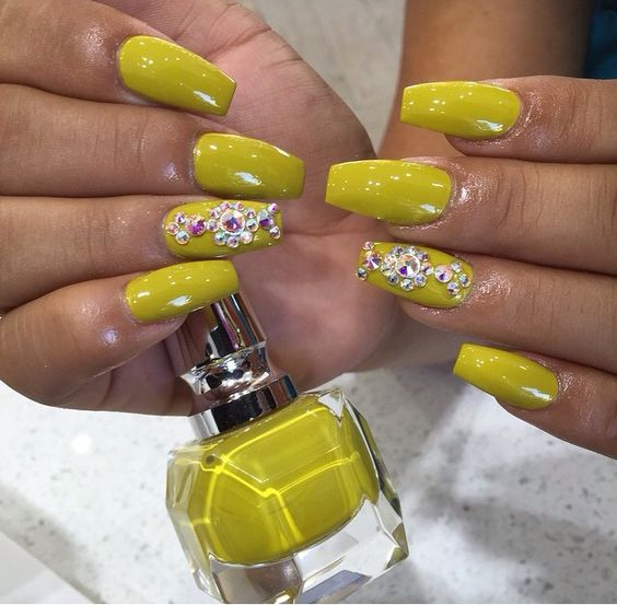 mustard-nails-with-glitter via