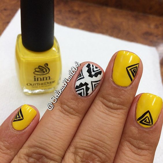 mustard-nails-with-triangles via