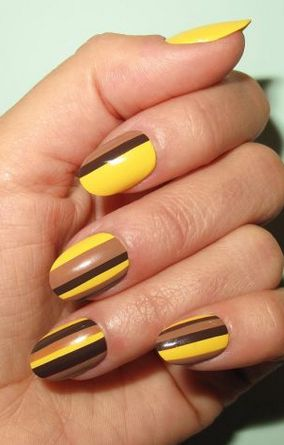 mustard-and-brown-nails via