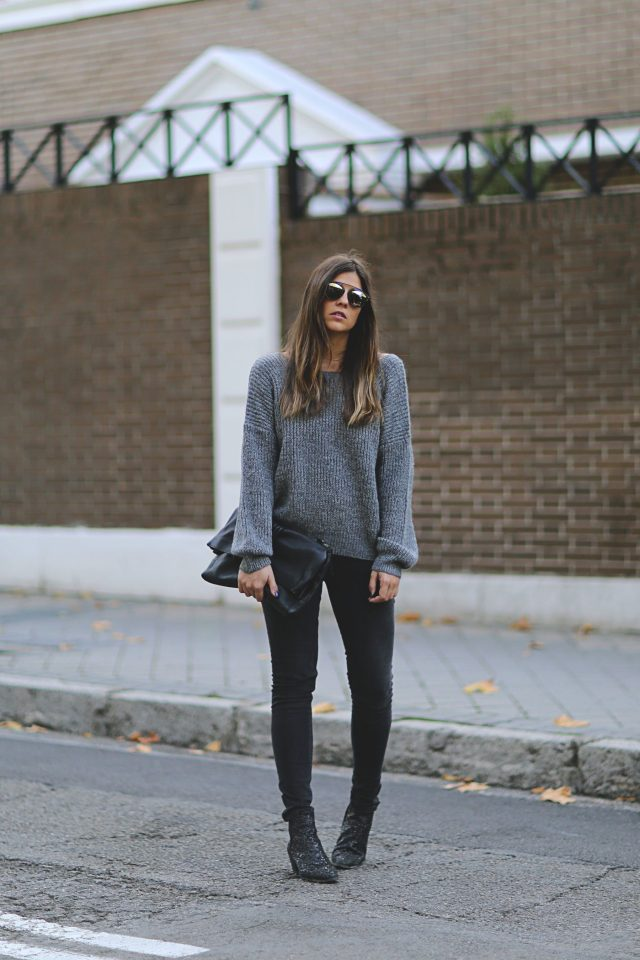 oversized-sweater-and-jeans via