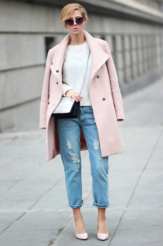 pale-pink-coat-white-sweater-and-ripped-jeans via