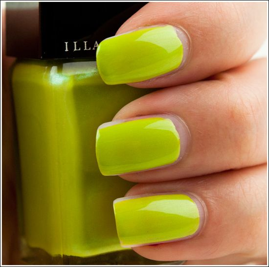 simple-mustard-nails via