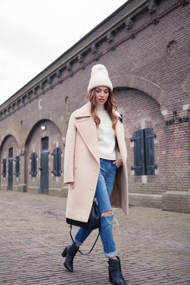 white-sweater-beige-coat-and-ripped-jeans via