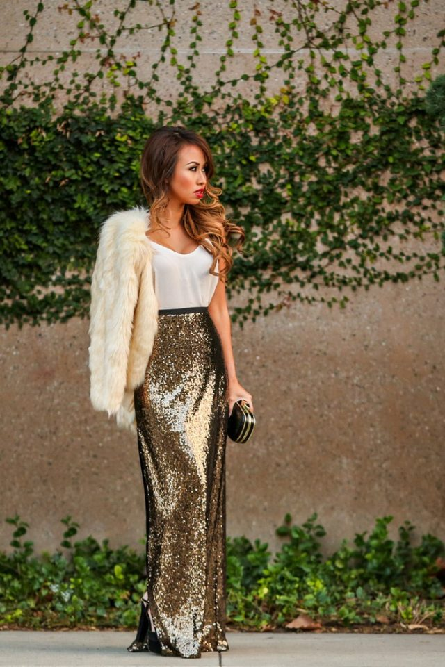 White Top and Gold Sequin Skirt - 15 Outfit Ideas With Sequin Skirts For Holidays - Pretty Designs