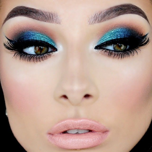 How to Rock Blue Makeup Looks - 20 Blue Makeup Ideas ...