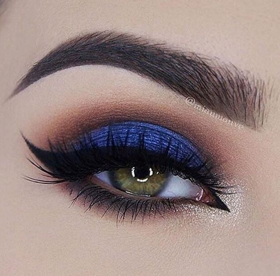 How to Rock Blue Makeup Looks