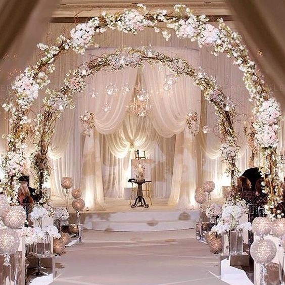 White Luxury Wedding Decor With Wonderful And Beautiful: 24 Winter Wonderland Wedding Ideas
