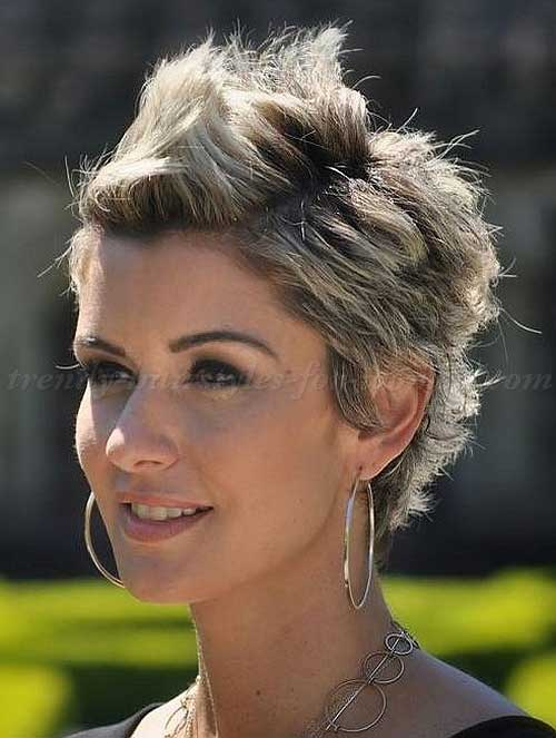 Female-faux-hawk-haircut-for-short-hair
