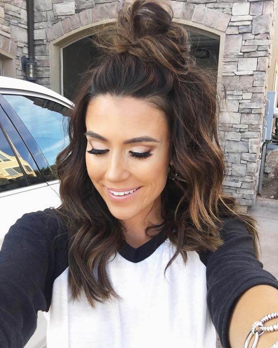 15 Frisur-Ideen zur Inspiration für Ihre halben Brötchen