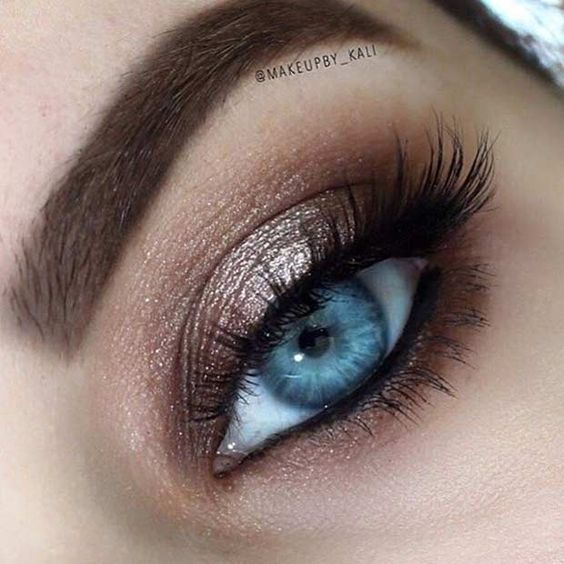How to Rock Makeup For Blue Eyes - Easy Makeup Tutorials ...