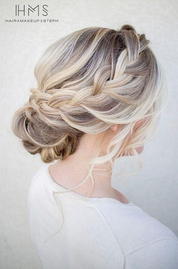 21 Glamorous Wedding Updos for 2018 - Pretty Designs