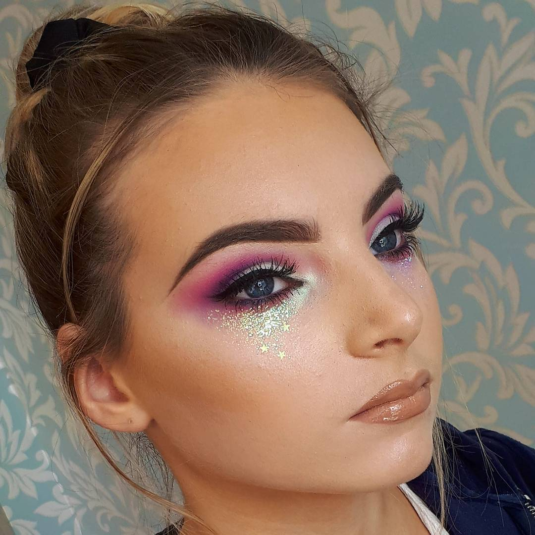 A Collection of 40 Best Glitter Makeup Tutorials and Ideas