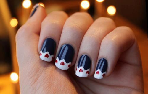 7 Tips voor Ocean & Chloor-Proofing Your Manicure (Nail Design Ideas)