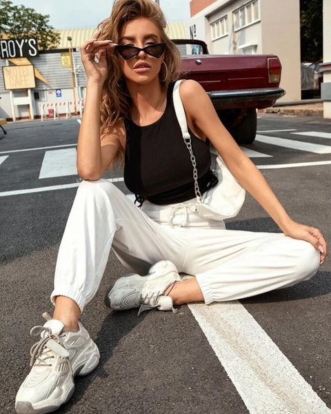 How to Wear Sweatpants -15 Trendy Sweatpant Outfits Ideas for Women